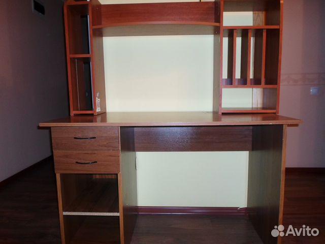 Письменный стол  с рук