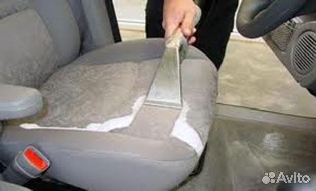 Чистка сидений автомобиля ванишем