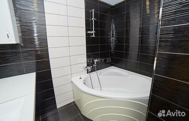 Продается двухкомнатная квартира за 2 400 000 рублей. Советская улица, 37.
