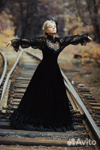 Черное платье готическое