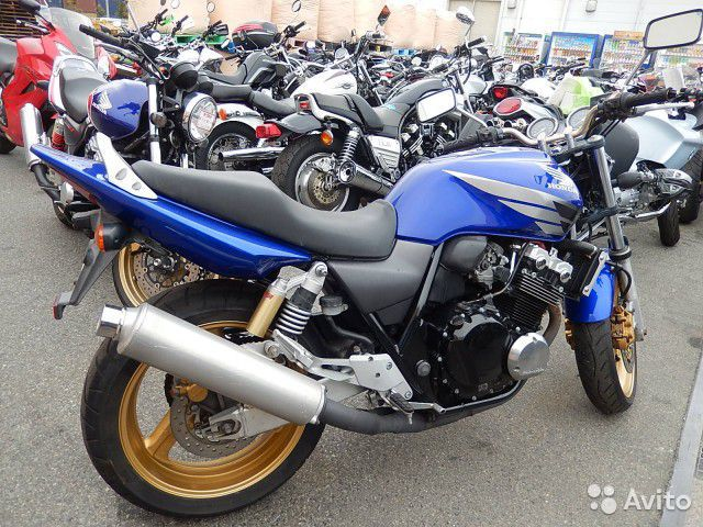 Honda CB 400 vtec 3