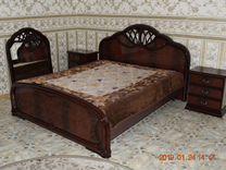 Спальный гарнитур из массива дерева. Италия