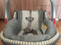 Автомобильное кресло люлька